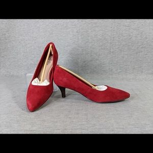 Collection by Clarks Linvale Jerica Pumps